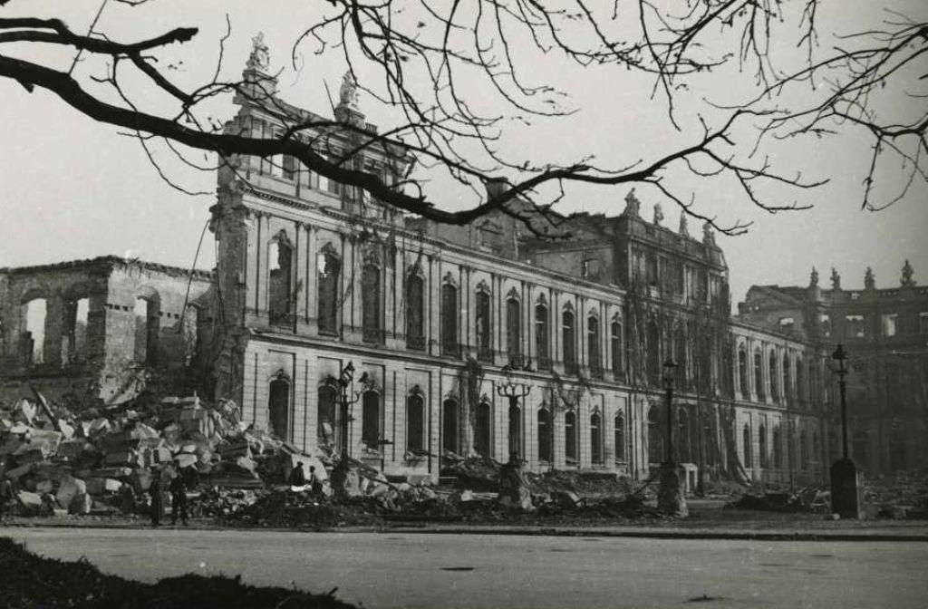 Bei den Bombenangriffen im Jahr 1944 wurde Stuttgart schwer beschädigt. Foto: Haus der Geschichte Baden-Württemberg