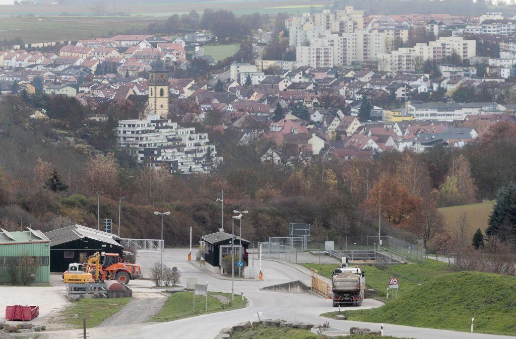 Wird hier bald Bauschutt aus dem Atomkraftwerk Neckarwestheim angeliefert? Der Eingang der Deponie am Froschgraben in Schwieberdingen. Foto: factum/Granville