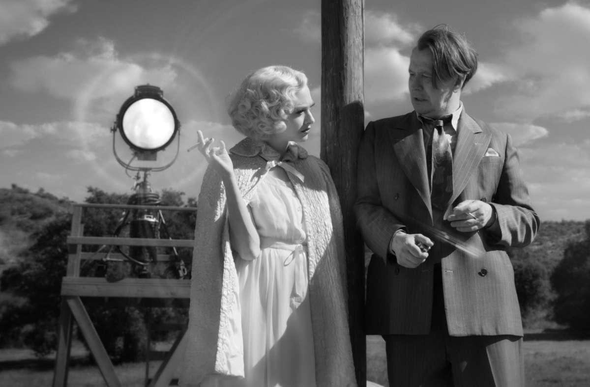 "Eine Hommage ans alte Hollywood: Amanda Seyfried und Gary Oldman in ""Mank"". Foto: dpa/Netflix"