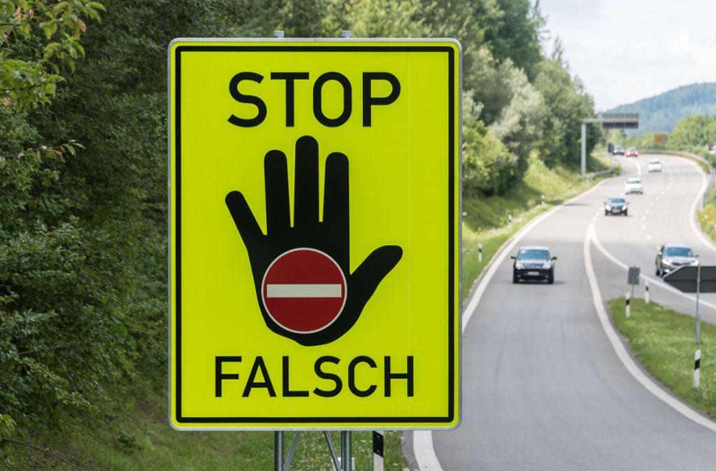 Warum der 72-Jährige auf der A5 in falscher Richtung unterwegs war, ist noch unklar. Foto: dpa