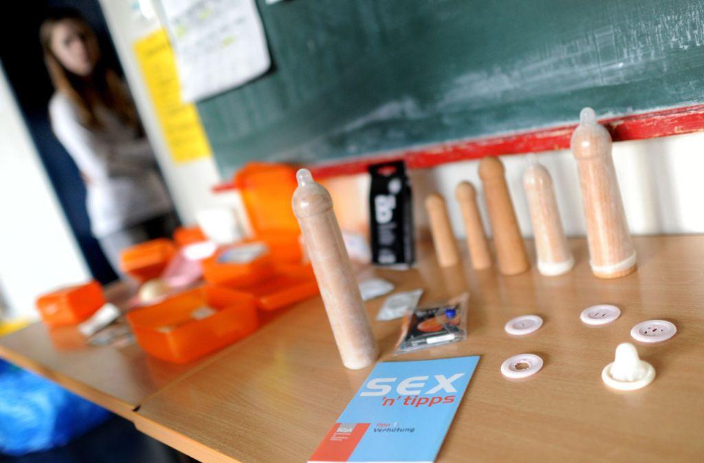 Anfangs war die Einführung des Sexualkundeunterrichts eine kleine Revolution, inzwischen ist er seit 50 Jahren Bestandteil der Unterrichtspläne. (Symbolbild) Foto: dpa