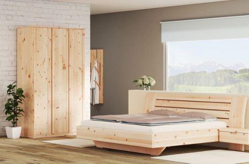 Genießen Sie ein harmonisches Schlafambiente mit den LaModula-Zirbenmöbeln.