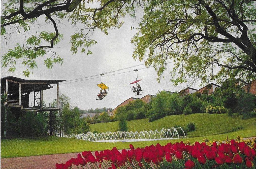 Von 1950 bis 1990 hat die Sesselbahn auf dem Killesberg ihre Runden gedreht. Foto: Sammlung Wibke Wieczorek