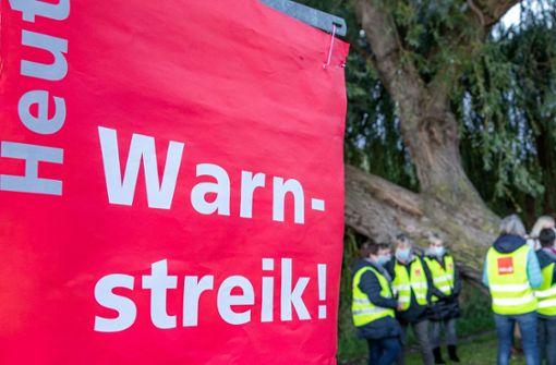 Warnstreiks und eine Kundgebung