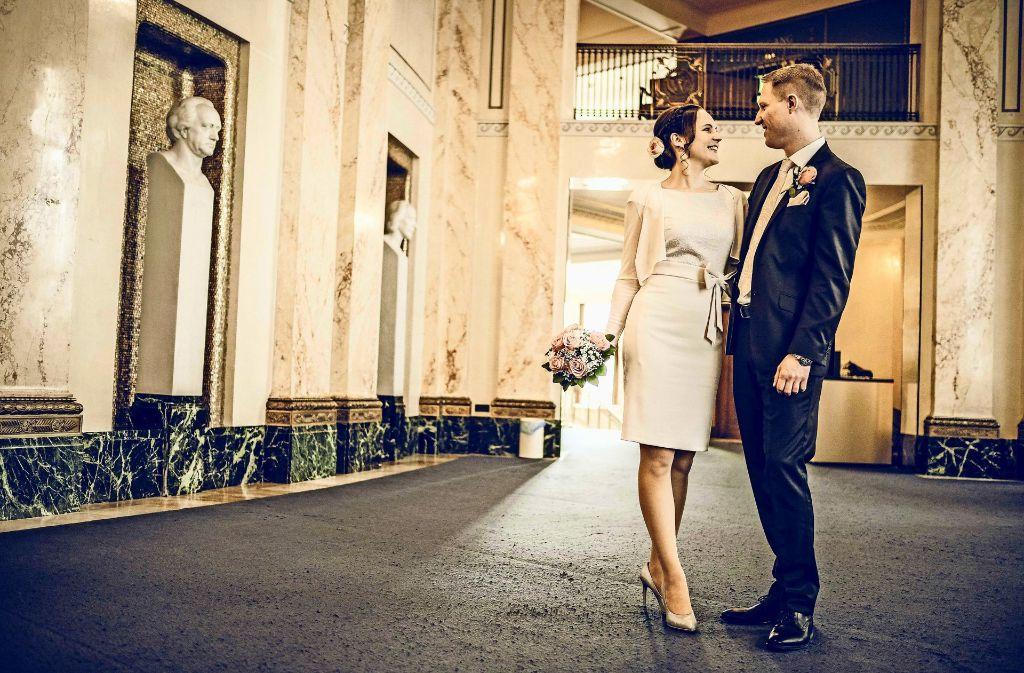 Jasmin und Michael Flachenecker haben am Donnerstag in der Stuttgarter Oper den Bund fürs Leben geschlossen. Foto: Lichtgut/Leif Piechowski