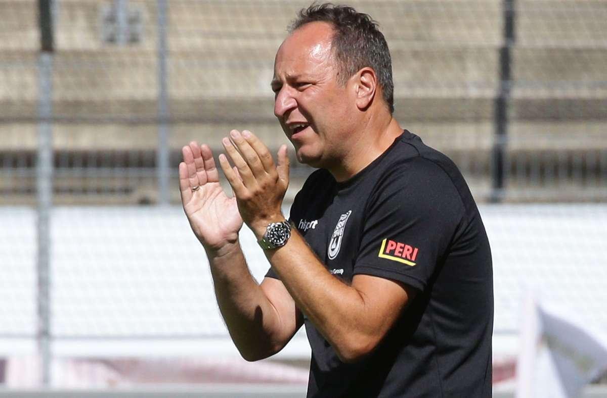 Ulms Trainer Holger Bachthaler: Wie weit sind die Spatzen noch von der dritten Liga entfernt? Foto: Baumann
