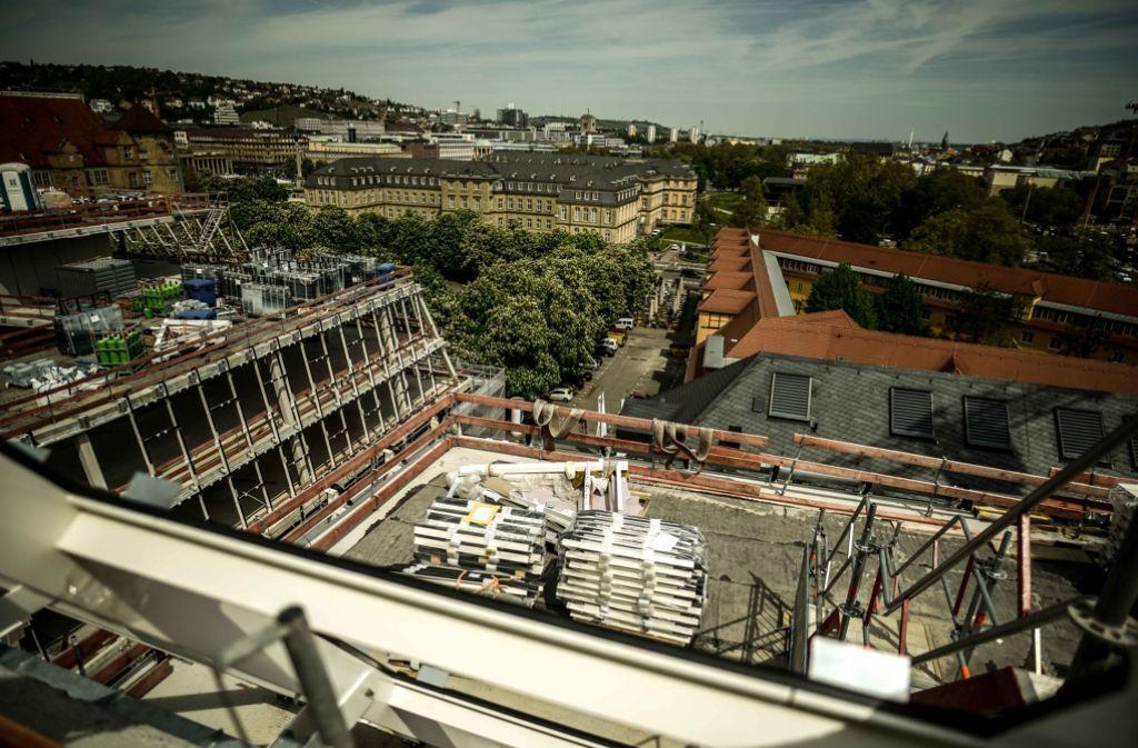 Auf dem Karlsplatz entstehen drei Neubauten, die das Dorotheen-Quartier bilden werden. Foto: Lichtgut/Leif Piechowski