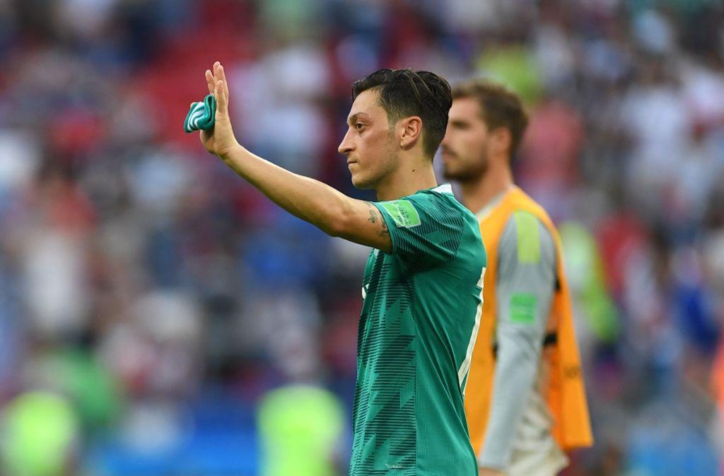Aus und vorbei: Mesut Özil spielt nicht mehr für die deutsche Nationalmannschaft – und garniert seinen Rücktritt mit herben Vorwürfen. Foto: dpa