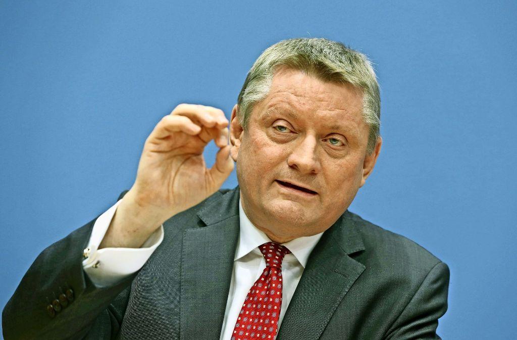 Sieht in der Digitalisierung große Chancen: Minister Hermann Gröhe Foto: dpa