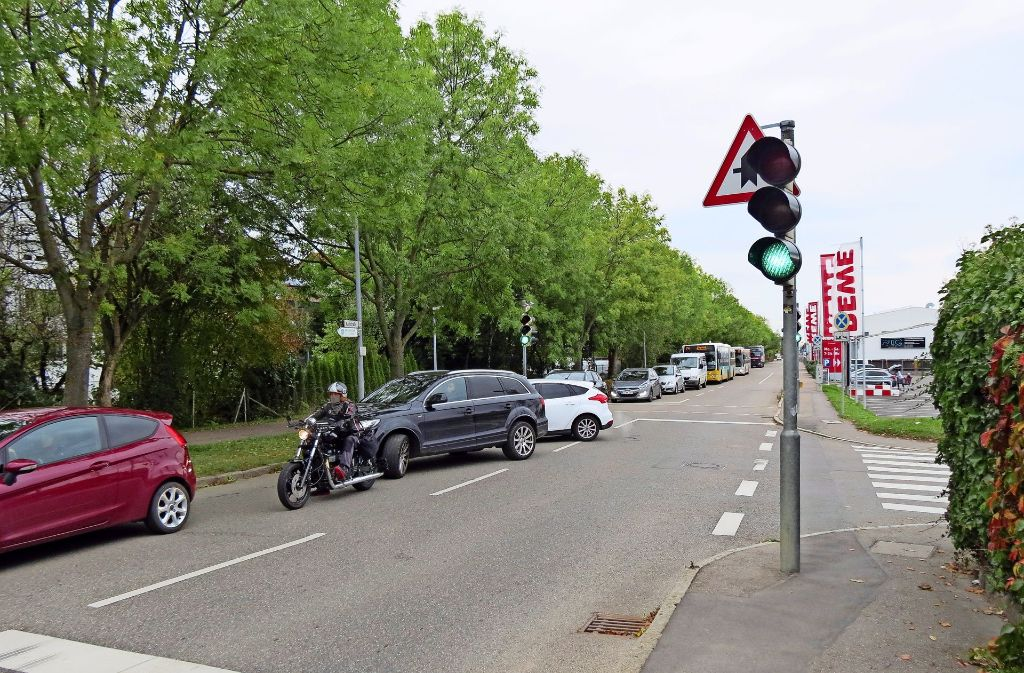 Die Anwohner der Karlstraße klagen bereits über den Verkehr, der heute dort ist. Foto: Häusser