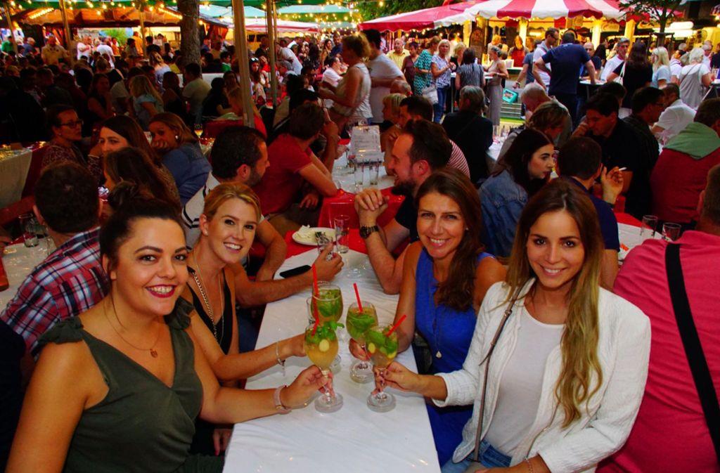 Der Hamburger Fischmarkt begeistert die Gäste. Foto: Andreas Rosar Fotoagentur-Stuttg
