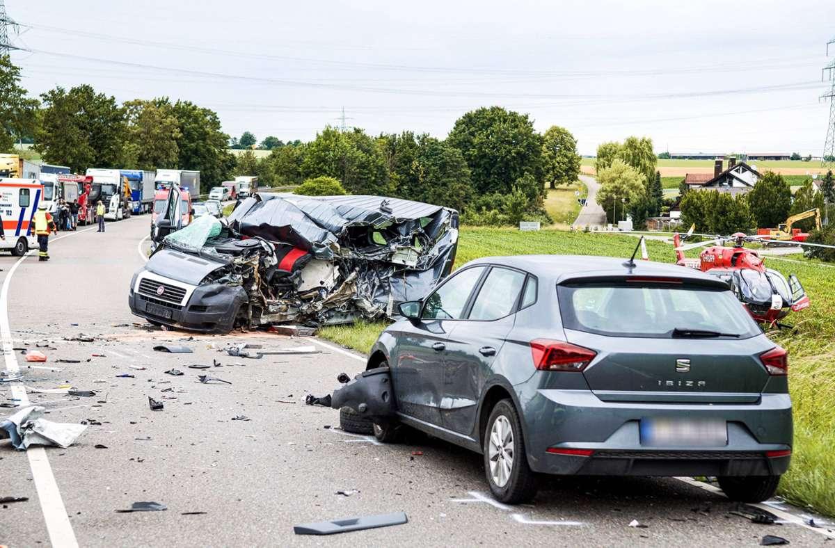 In den Unfall waren mehrere Fahrzeuge verwickelt. Foto: 7aktuell.de/Nils Reeh