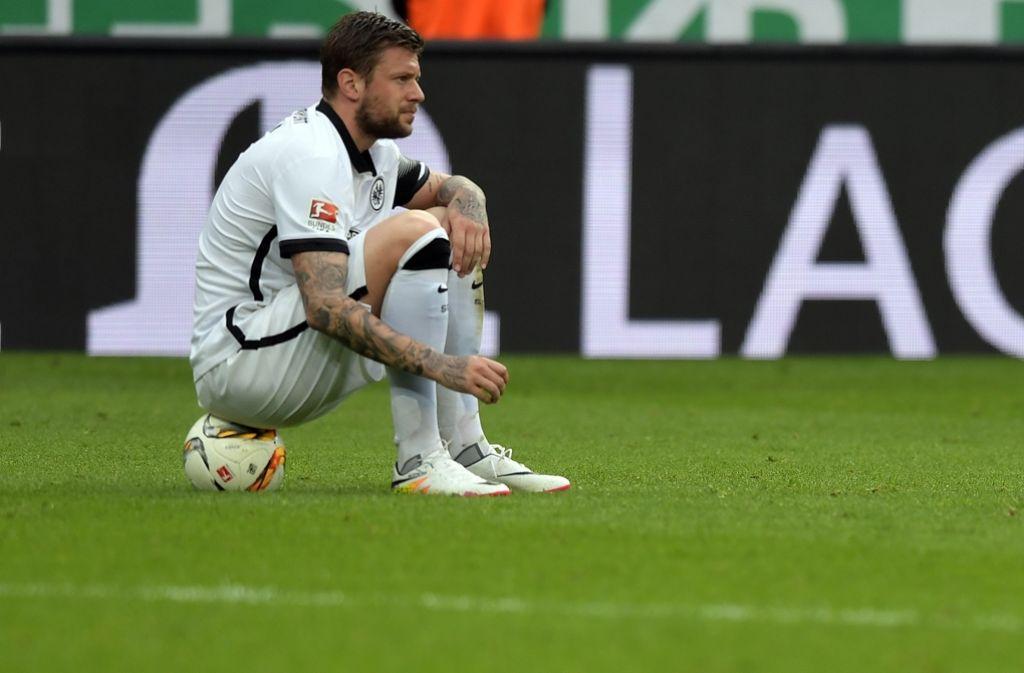 Eintracht-Frankfurt-Kapitän Marco Russ leidet an einer Tumorerkrankung. Foto: dpa