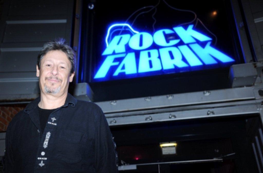 Christian Albrecht, Chef der Rockfabrik, ist mächtig stolz auf den kultigen Rock-Schuppen in Ludwigsburg und seine mittlerweile 30-jährige Geschichte, doch auch Albrecht weiß: Das Geschäft ist schwieriger geworden. Foto: dpa