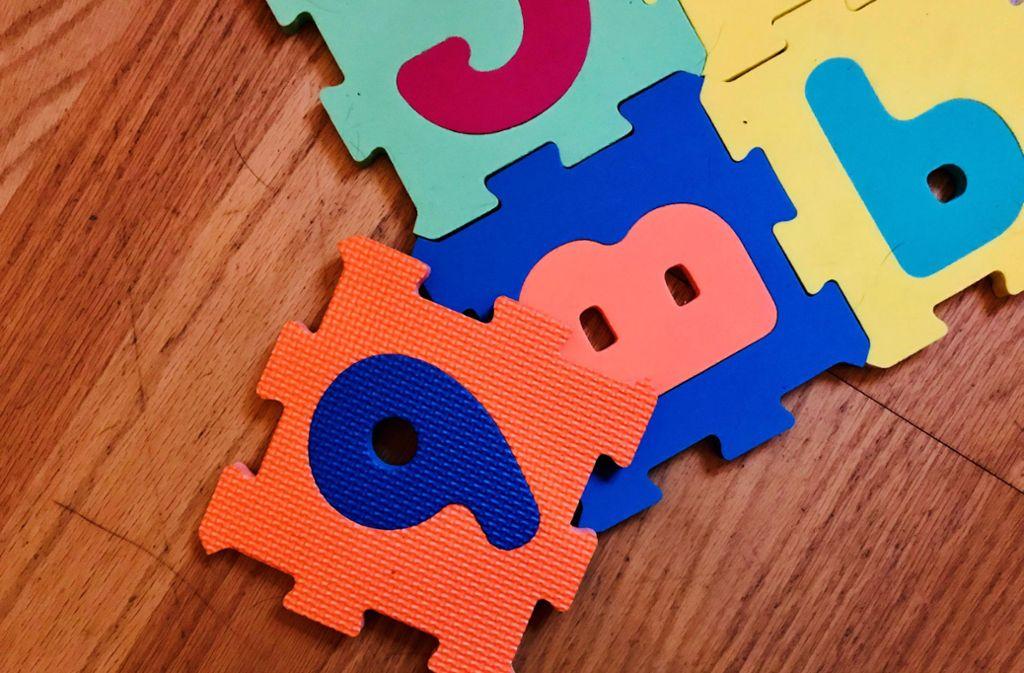 Eltern wissen, wie man solche Puzzleteile zusammenbaut. Kinder wissen, wie man Spaß damit hat. Foto: Setzer