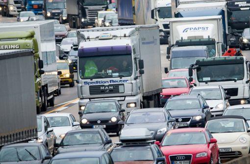 Polizei stoppt Lkw mit manipulierter Abgasanlage