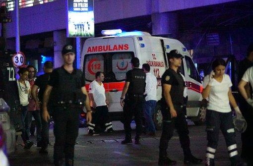 Mindestens 28 Tote bei Anschlag auf Istanbuler Atatürk-Flughafen