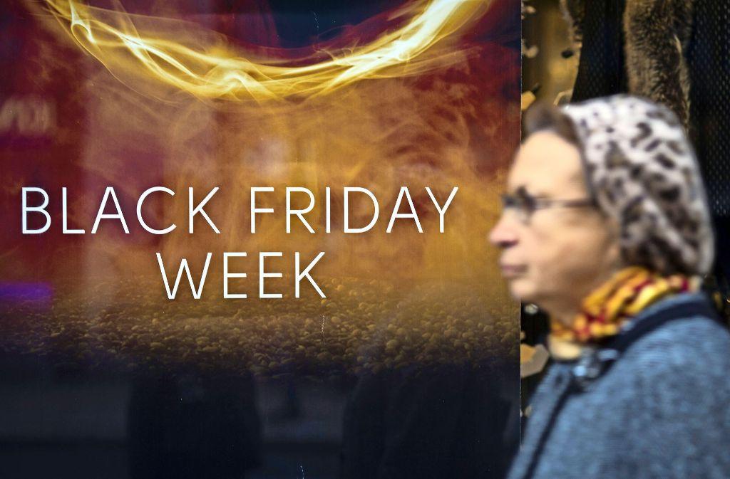 Manche Händler locken mit einer ganzen Woche voller Angebote zum Black Friday. Foto: Getty