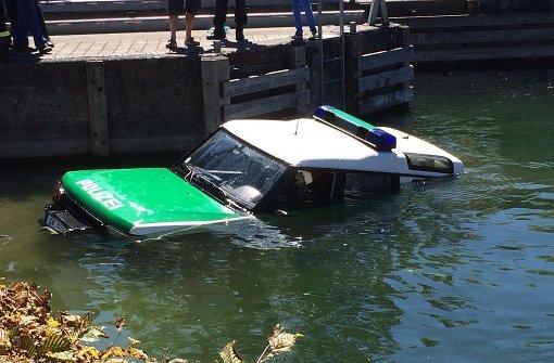 Polizeiauto rutscht in den Bodensee