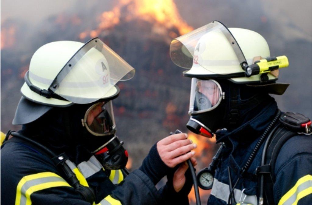 Die Feuerwehr musste am Freitag zu einem Sägewerk in Großerlach ausrücken. Foto: dpa/Symbolbild