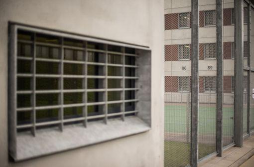 Feuer bricht in Gefängniszelle aus