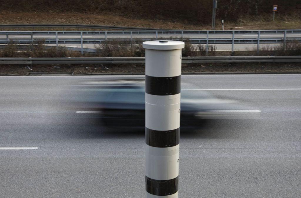 Warum der Audifahrer auf der B14 in der falschen Richtung unterwegs war, ist der Polizei noch ein Rätsel. Foto: Gottfried Stoppel
