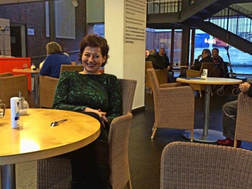 Carola Hägele leitet seit knapp elf Jahren das Gebrüder-Schmid-Zentrum im Generationenhaus Heslach. Foto: Nina Ayerle