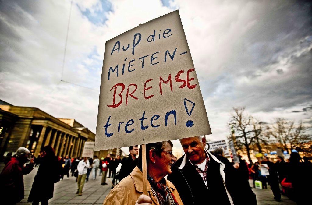 In 68 Kommunen im Land ist die Bremse getreten – vergeblich. Zu diesem Schluss kommen Mieter- wie Vermieterverbände (das Foto entstand in Stuttgart). Foto: Leif Piechowski