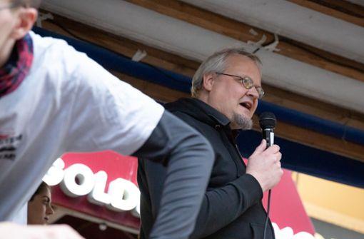 Linken Abgeordneter Tobias Pflüger sieht Rechte verletzt