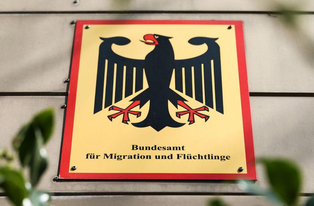Im April war bekannt geworden, dass in der Bremer Bamf-Außenstelle zwischen 2013 und 2016 in mindestens 1200 Fällen Asylanträge auf nicht rechtmäßige Weise bewilligt wurden. Foto: dpa