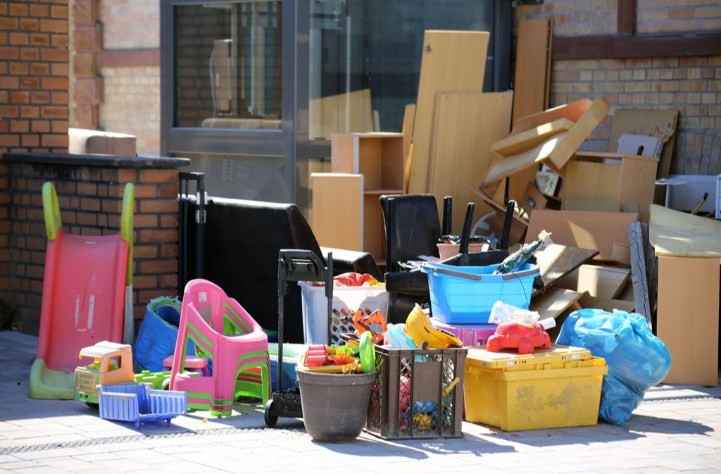 Kleine Abfalleimer können meist über den Sperrmüll entsorgt werden. Foto:  U.J. Alexander / shutterstock.com