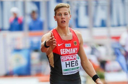 Dreispringer Max Heß gewinnt überraschend Gold
