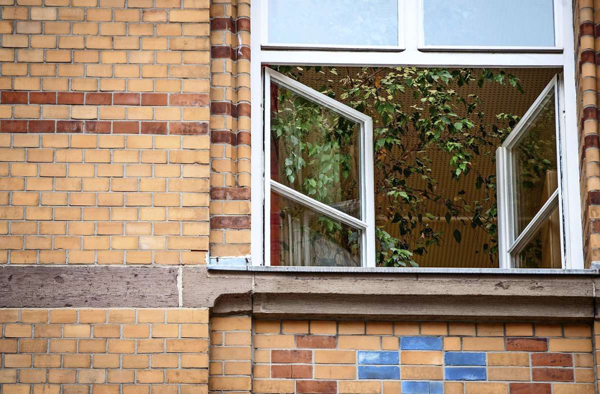 Einige Grundschüler könnten schon am Montag in ihre Klassenzimmer zurückkehren (Symbolbild). Foto: dpa/Christoph Schmidt