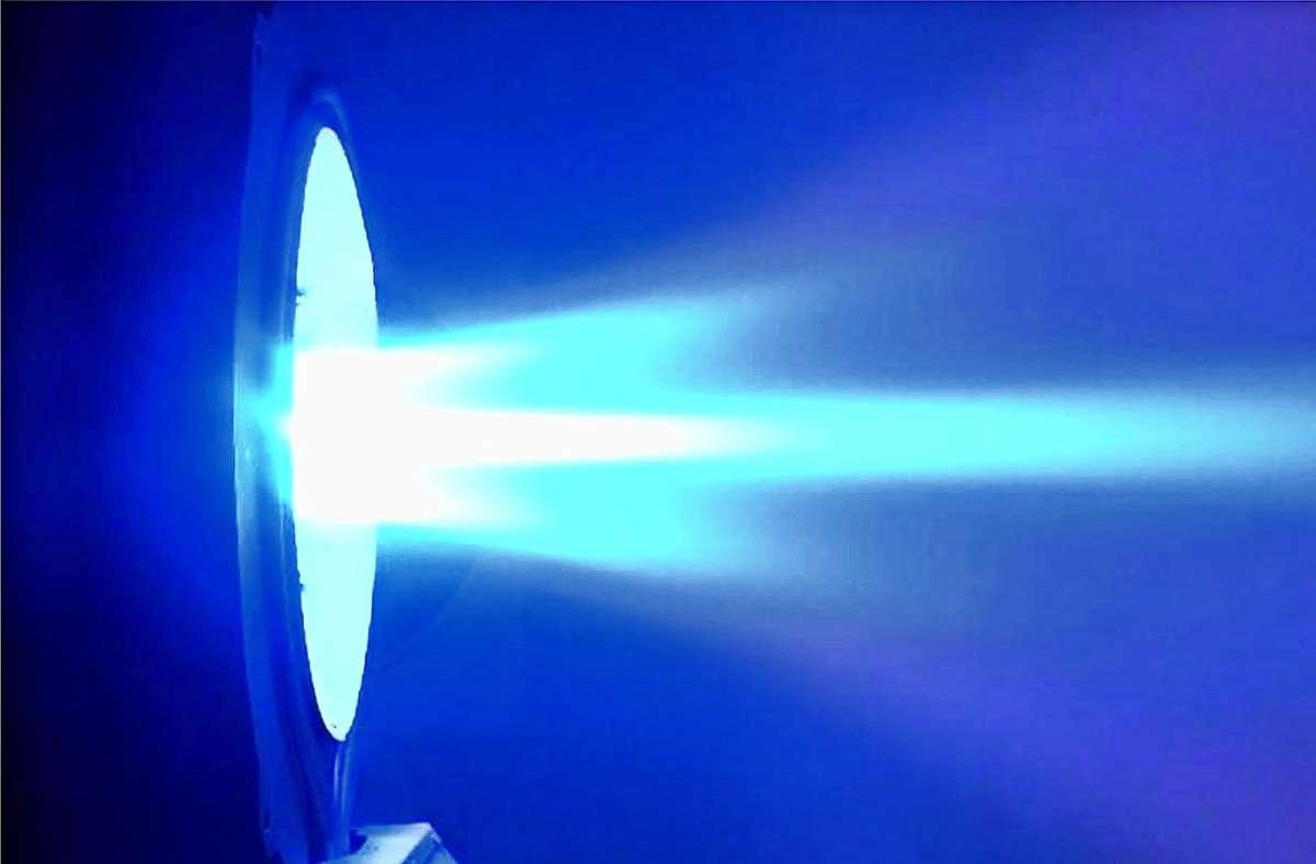 Der neue Antrieb, bei dem ein Magnetfeld den Treibstoff beschleunigt, arbeitet  sparsam und hat Schubkraft für schwere Lasten Foto: Institut für Raumfahrtsysteme