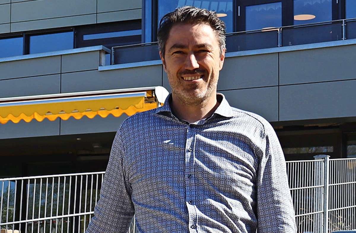 Steffen Bosch ist Zimmermann mit Meisterbrief, Bautechniker und Immobilien-Ökonom. Foto: Claudia Barner
