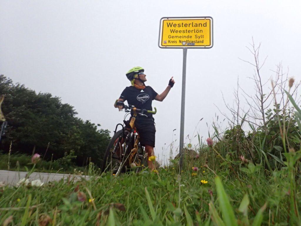 Endlich da: Zehn Tage brauchte Martin Tschepe für die 1300 Kilometer von Waiblingen nach Westerland Foto: Tschepe