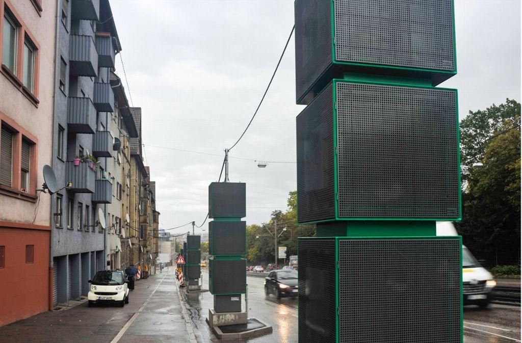 Die Landesregierung versucht mit großen Aufwand, die Luft in Stuttgart an stark belasteten Orten wie hier an der Pragstraße, sauberer zu bekommen. Foto: Lichtgut/Max Kovalenko