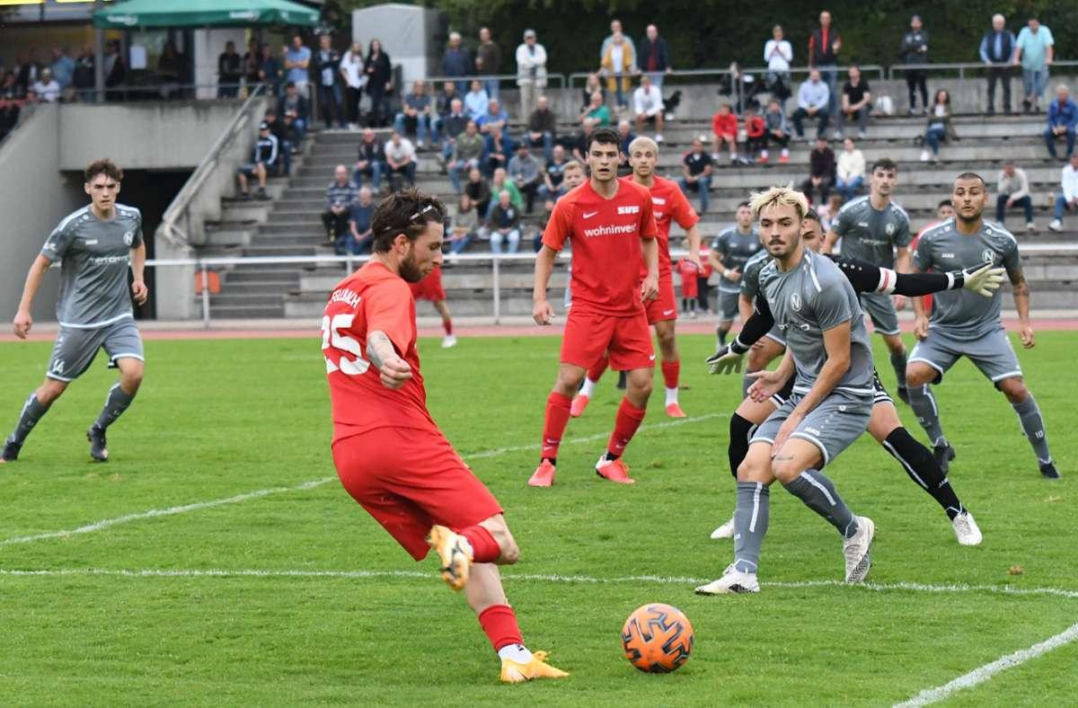 Valentin Jäkel (am Ball)  verpasst mit dem SVF  den nächsten Erfolg. Foto: /Maximilian Hamm