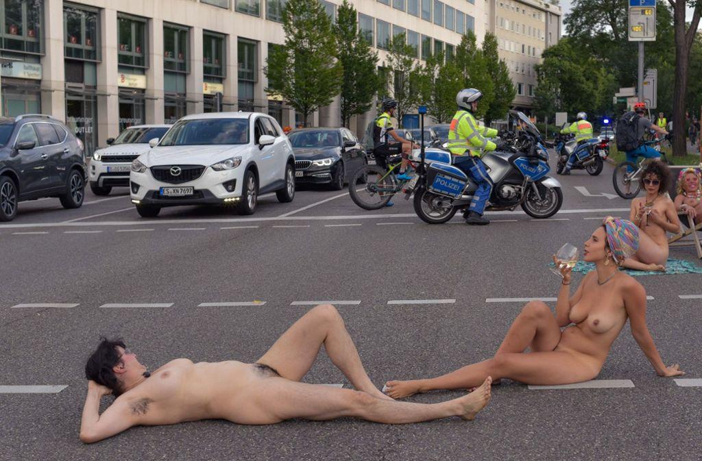 Nacktheit in der Öffentlichkeit war früher tabu? Stimmt nicht ganz. Foto: Lichtgut/Max Kovalenko