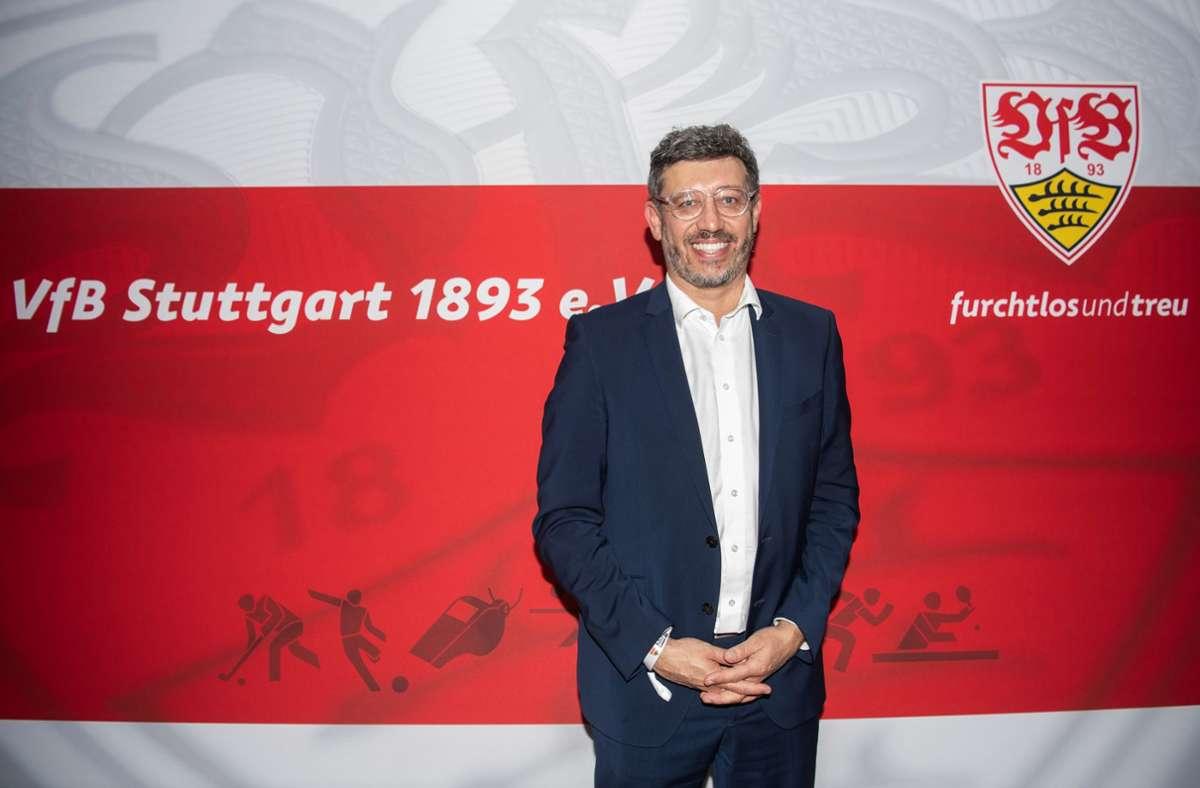 VfB-Präsident Claus Vogt wählt die Vorwärtsverteidigung. Foto: dpa/Tom Weller