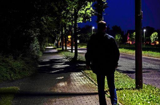 Gehweg-Beleuchtung stößt auf Kritik