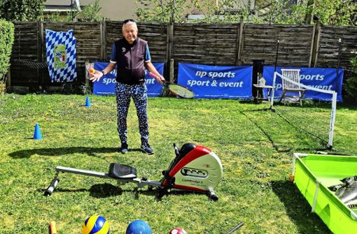 Proberentner mit Klein-Wimbledon im Garten