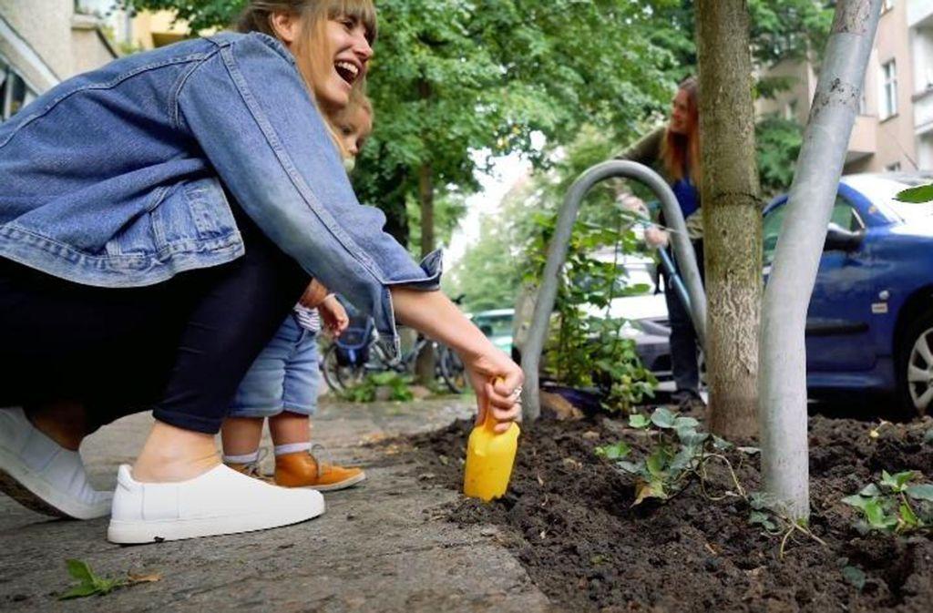 Bei Tag der Nachbarn gibt es unzählige Aktionen – auch im kleinen Kreis. Foto: Nebenan.de-Stiftung