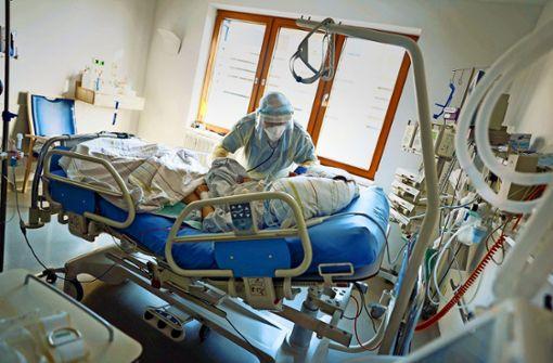 Deutlich mehr Covid-Patienten in  Kliniken als bislang bekannt