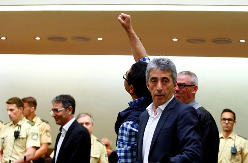 Erhan A., einer der zehn Angeklagten, betritt das Münchner Gericht im Juni 2016. Foto: Archiv
