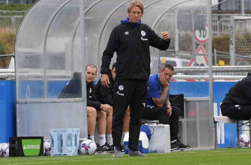 Derzeit noch beim FC Schalke 04 unter Vertrag, ab 1. Juli für den VfB Stuttgart II zuständig: Frank Fahrenhorst. Foto: imago/Team 2