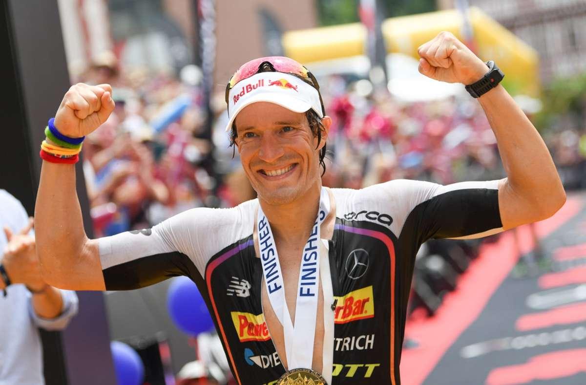 Der ehemalige Ironman-Weltmeister aus Mühlacker nimmt seine Verletzung mit Humor. Foto: dpa/Arne Dedert