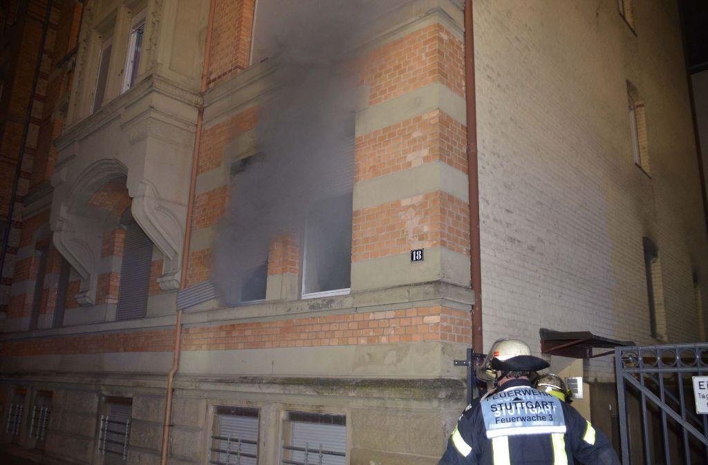 Die Feuerwehr ist zu einem Feuer in einer Wohnung in Bad Cannstatt ausgerückt. Foto: Andreas Rosar Fotoagentur-Stuttg
