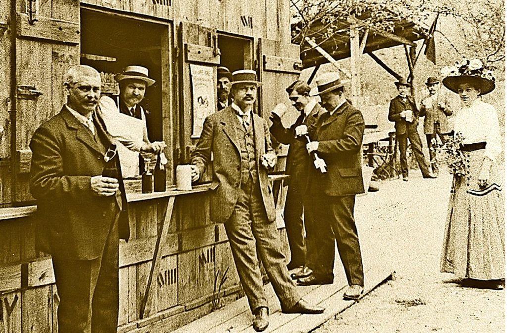 Die Bierhalle mit Ausschank, die Aufnahme stammt aus dem Jahr  1908 Foto: privat