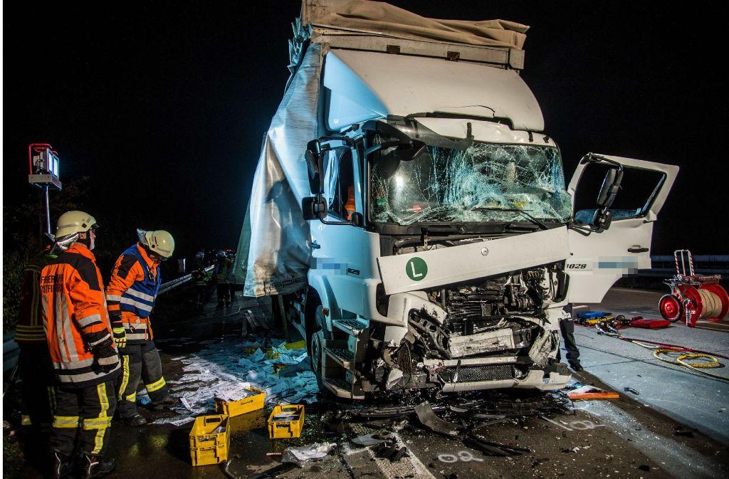 Am Montagabend ist es auf der A8 in Richtung München zu einem Auffahrunfall gekommen. Foto: SDMG